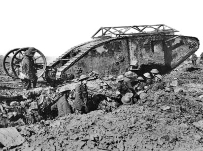 British_mark_i_male_tank_somme_25_s