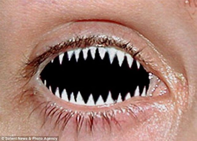 Freaky_contact_lenses_03
